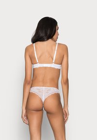 Boux Avenue - MOLLIE THONG - Thong - white - 2