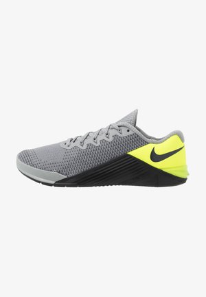 METCON 5 - Sports shoes - particle grey/dark smoke grey/barely volt