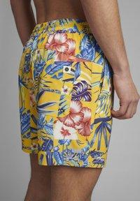 Anerkjendt - AKSHARK  - Swimming shorts - sulphur - 3