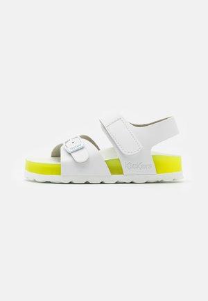 SUNKRO - Sandals - blanc/jaune