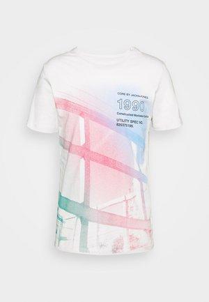 JCORIDGE TEE CREW NECK - T-shirt z nadrukiem - glacier gray