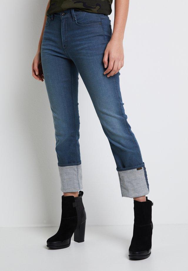 NOXER STRAIGHT - Straight leg jeans - worn in gravel blue