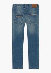 Name it - NKMTHEO PANT - Straight leg jeans - medium blue denim - 1