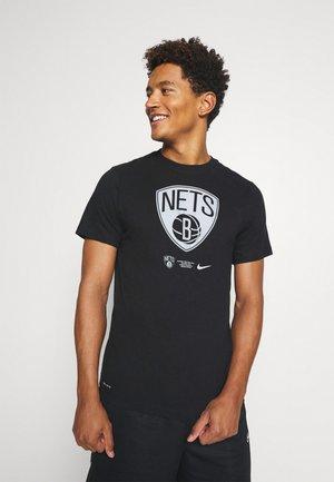 NBA BROOKLYN NETS DRY LOGO TEE - Article de supporter - black