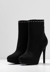 Nly by Nelly - STUDDED PLATFORM BOOT - High heeled ankle boots - black - 4