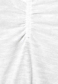 Miss Selfridge - RUCH CROCHET - T-shirts - cream - 2