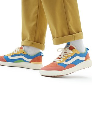 UA UltraRange EXO SE - Sneakers - (salt wash)mltiantiquewht