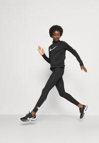 Nike Performance - RUN - Trikoot - black/white - 3