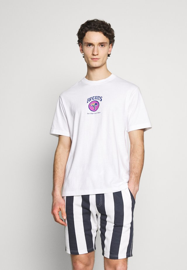 RETRO FIT TEE  - T-shirt med print - white