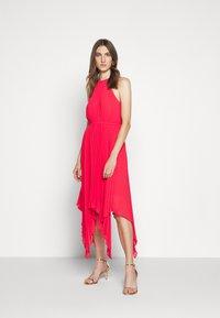 MICHAEL Michael Kors - PLEATED HALTER DRESS - Společenské šaty - geranium - 0