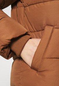 Pieces - PCBEE SHORT JACKET - Chaqueta de invierno - brown - 5