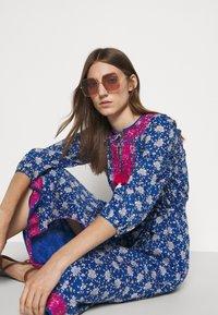 J.CREW - STRAIGHT SKIRT DRESS - Day dress - cerulean/multi - 3