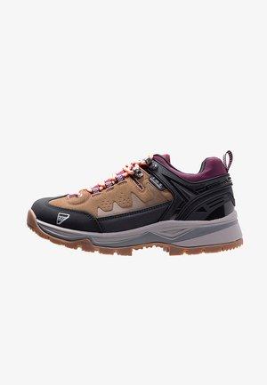 Hiking shoes - haselnuss