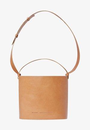 CHAMPAGNE BUCKET - Handbag - natural