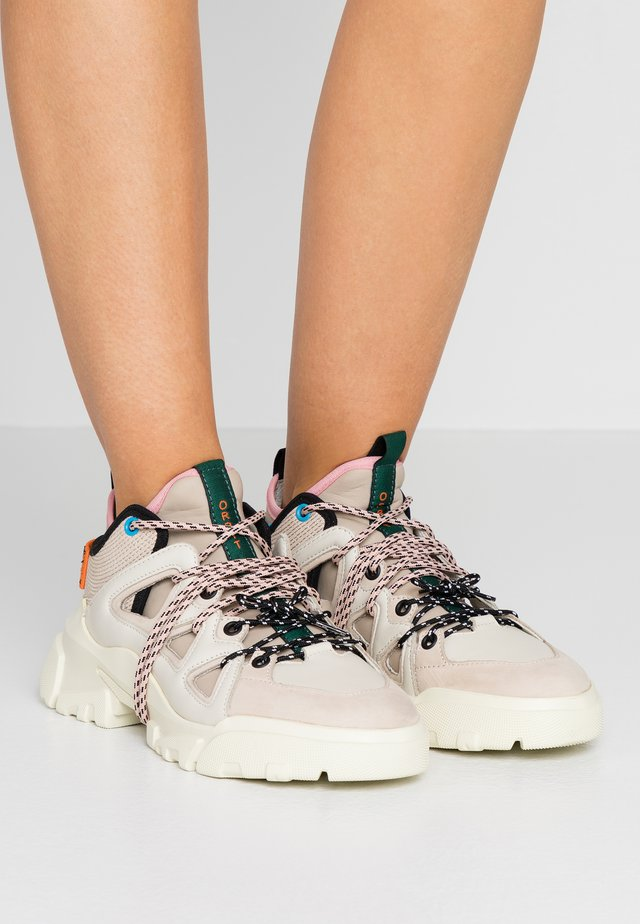 ORBYT MID - Sneakers basse - offwhite