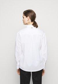 LIU JO - CAMICIA - Button-down blouse - bianco ottico - 2