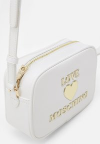 Love Moschino - Across body bag - bianco - 3