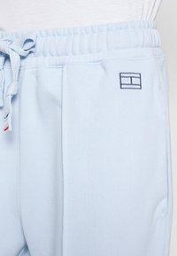 Tommy Hilfiger - CINDY PANT - Teplákové kalhoty - polished blue - 4