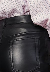 sandro - LEATH - Leather trousers - black - 4