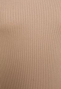 Missguided Petite - BUTTON CUFF CREW NECK BODY - Maglione - sand - 2