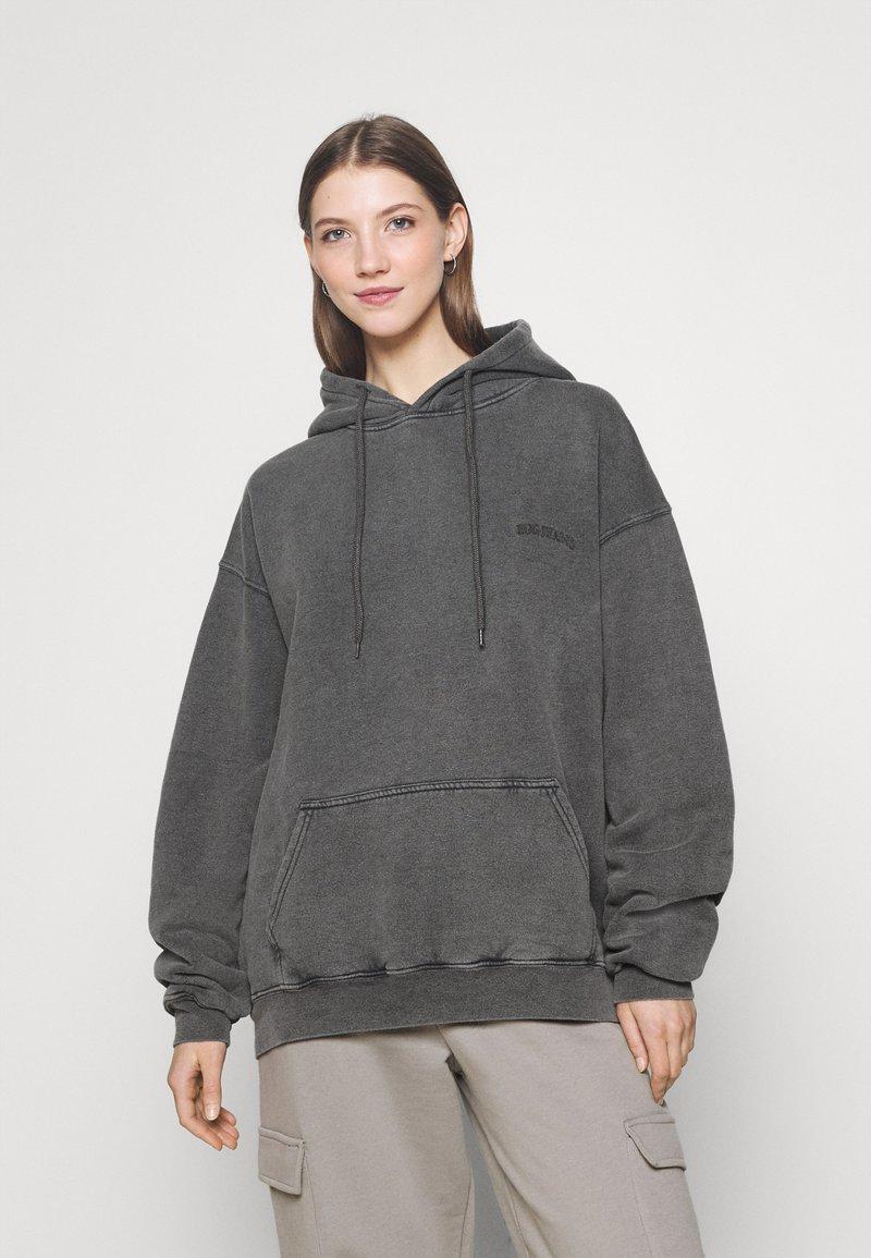 BDG Urban Outfitters - SKATE HOODIE - Felpa con cappuccio - charcoal