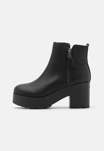 EMELINE - Kotníkové boty na platformě - black
