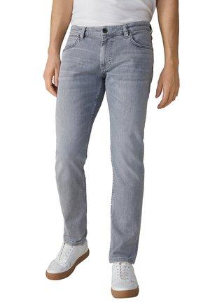 ROBIN - Slim fit jeans - hellgrau