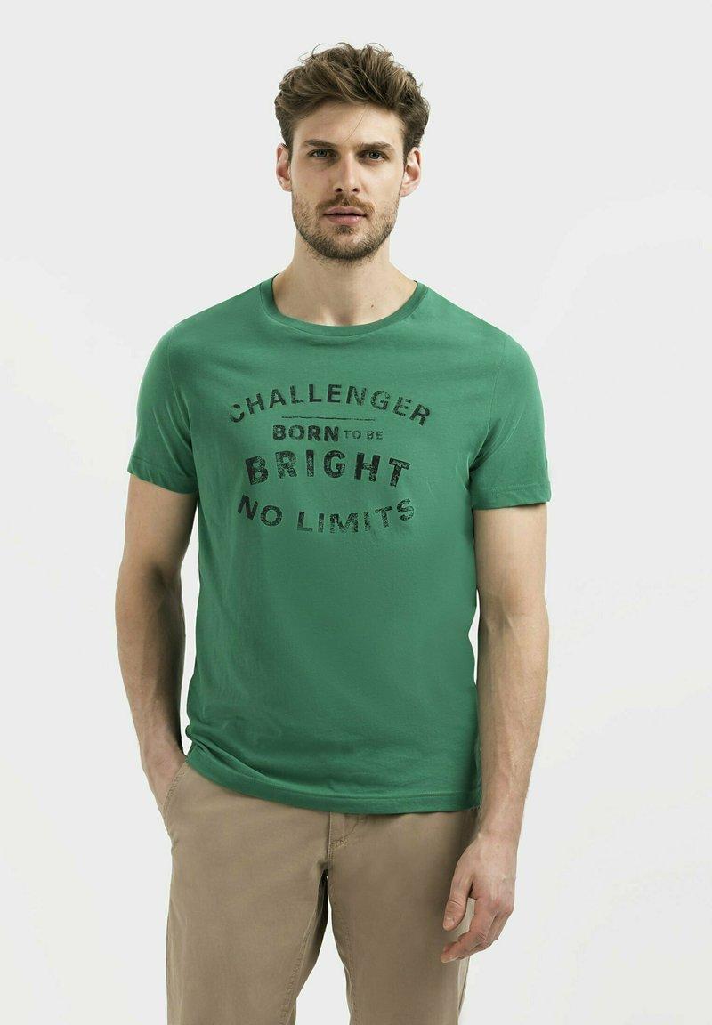 camel active - Print T-shirt - jungle green