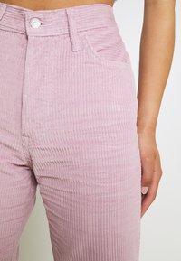 Levi's® - RIBCAGE STRAIGHT ANKLE - Trousers - pebble keepsake lilac - 4