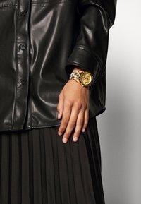 Guess - WONDERLUST - Watch - gold-coloured - 0