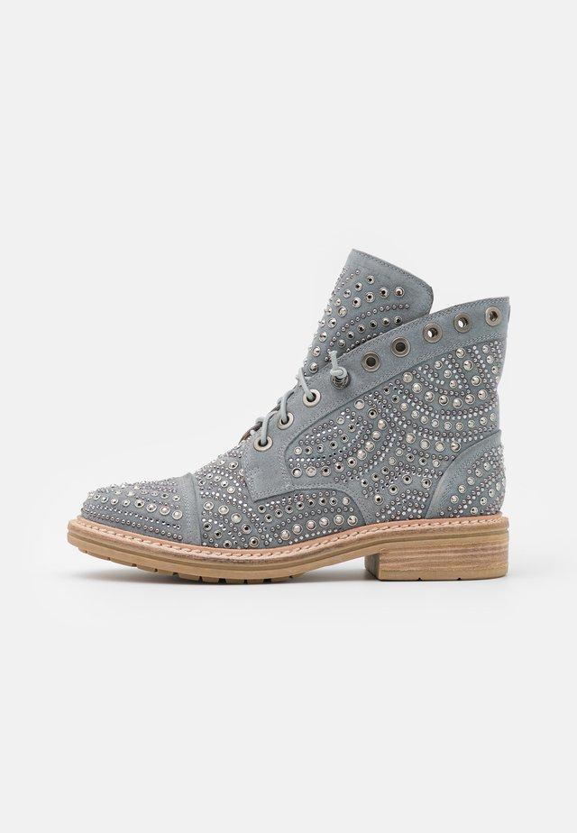 Šněrovací kotníkové boty - jeans