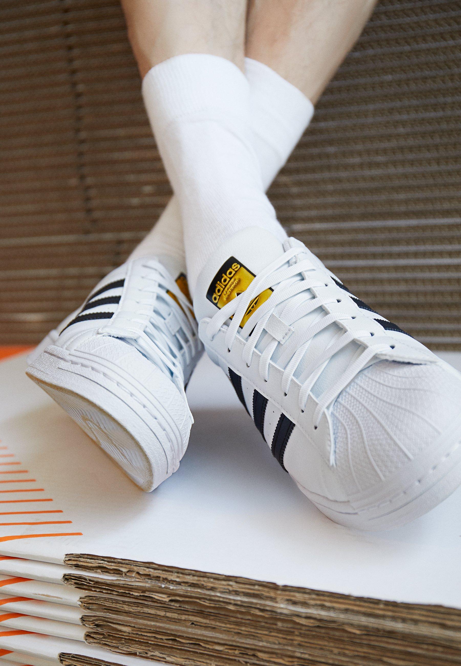 adidas Originals SUPERSTAR VEGAN Sneaker low footwear white/core black/green/weiß