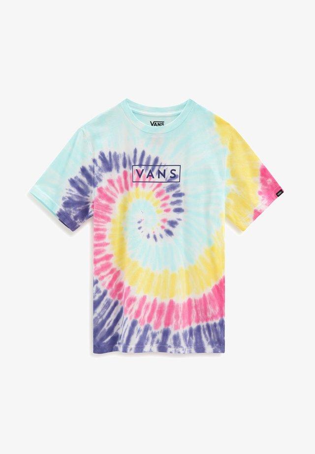 BY TIE DYE EASY BOX TEE BOYS - Camiseta estampada - rainbow (spectrum)tie dye