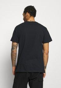 Night Addict - STATUE - Print T-shirt - black - 2