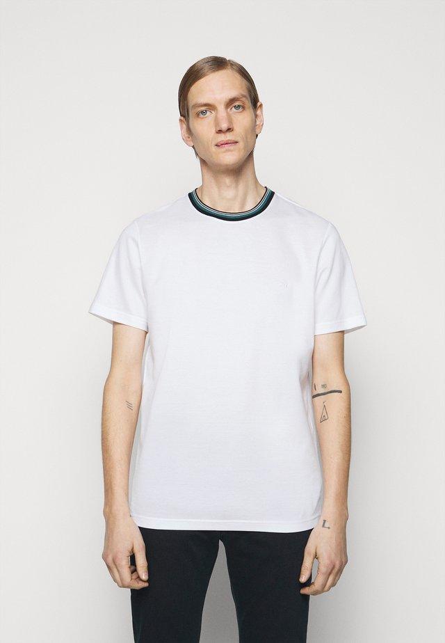 MENS REG FIT - Jednoduché triko - white