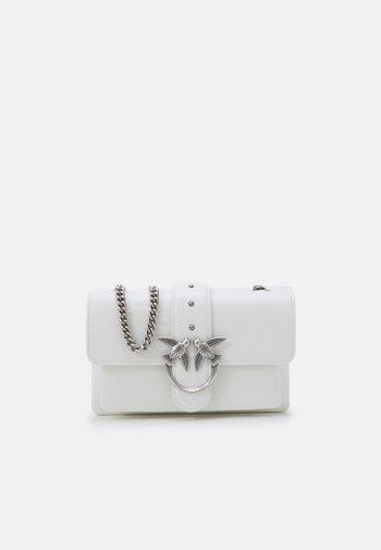LOVE MINI SOFT SIMPLY - Across body bag - white