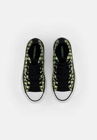 Converse - CHUCK TAYLOR ALL STAR GLOW BUG - Zapatillas altas - black/ceramic green/white - 3