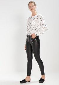 Freequent - AIDA COOPER - Trousers - black - 2