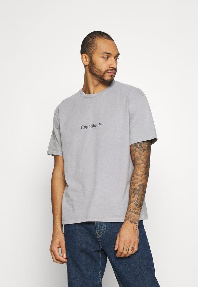 COPENHAGEN TEE - T-Shirt print - grey