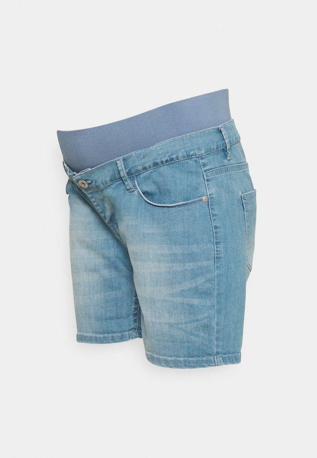 LIGHT BLUE - Shorts di jeans - light blue denim