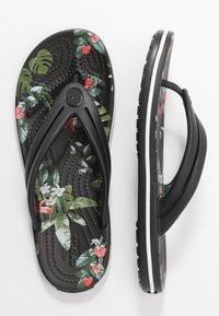 Crocs - CROCBAND BOTANICAL PRINT  - Slippers - black - 3
