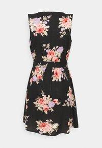 PIECES Tall - PCNISU DRESS  - Robe d'été - black - 1