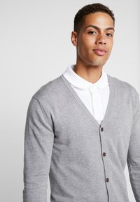 Esprit - BUTTON CARD - Cardigan - grey - 3