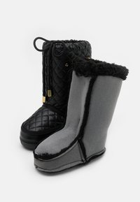 MOSCHINO - Snowboot/Winterstiefel - black - 5