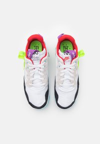 Jordan - MA2 - Baskets basses - white/university red/black/purple - 3