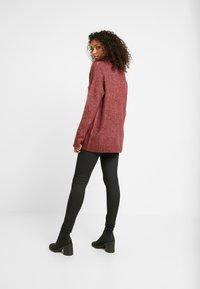 Vero Moda - VMKIZZI LONG COWLNECK - Jersey de punto - madder brown/melange - 2