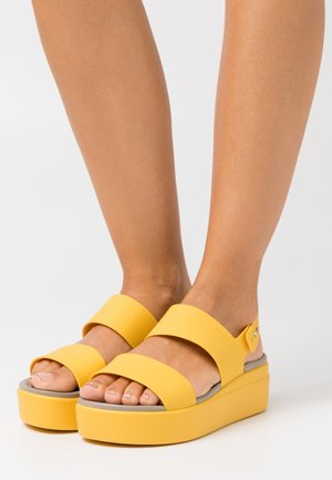 BROOKLYN LOW WEDGE - Platform sandals - canary