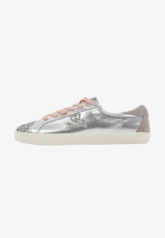 LIA - Sneakers laag - metal