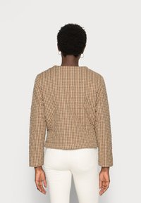 esmé studios - RADA SHORT QUILT JACKET - Light jacket - check tannin/grape leaf - 2