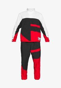 black/white/university red